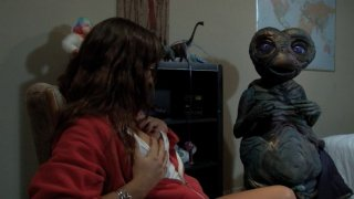 Screenshot #6 from E.T. XXX: A Dreamzone Parody